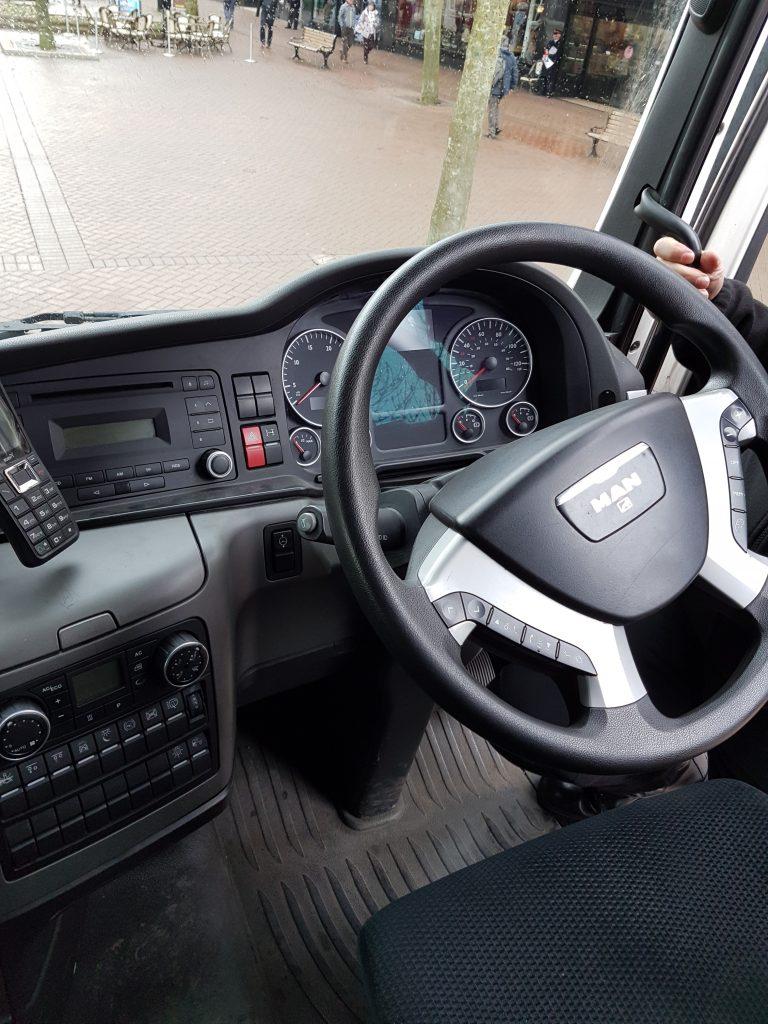 Lorry steering wheel
