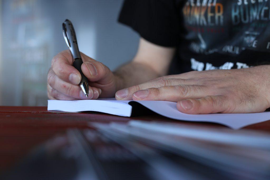 paul-teague-the-secret-bunker-signing6 - Copy