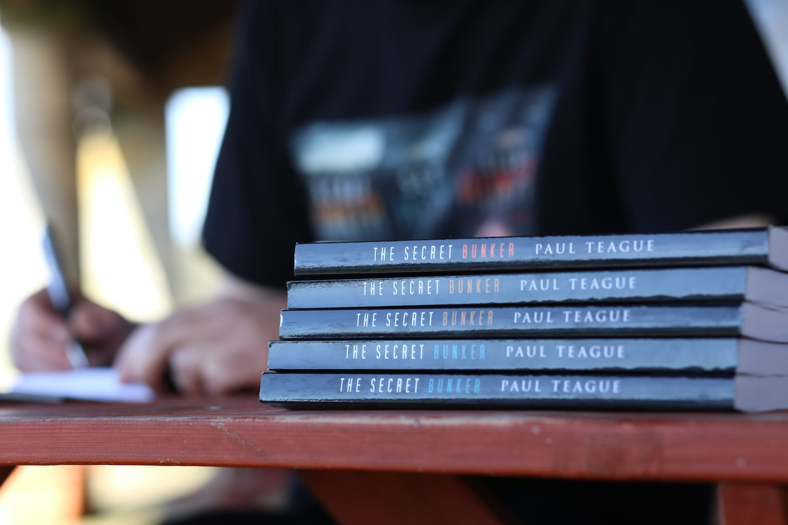 paul-teague-the-secret-bunker-signing9 - Copy